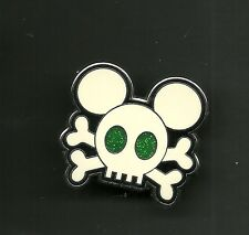 Pirate Emerald Green Eyes Skull Crossbones Mickey Splendid Walt Disney Pin