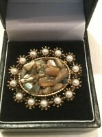 Stunning VINTAGE Oval Shaped BROOCH Faux Pearls