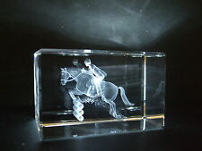 LASER CRYSTAL PAPERWEIGHT SHOW JUMP HORSE 3634  NEW PRESENTATION BOXED