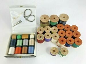 Vintage Lot of 31 Spools Belding Corticelli new and used With Case And Scissors