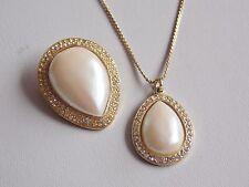 FAB & lusinghiero Gold Tone Finta Perla & Diamante Collana e spilla di corrispondenza