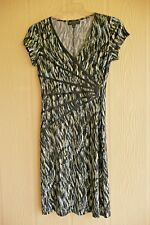 Connected Dress Size 8p Slimming Fitted Style Tan Black White Light Blue Print
