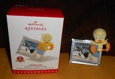 """Hallmark Keepsake """"Tweety Pie - Looney Tunes"""" 2015 Ornament - Brand NEW in Box"""
