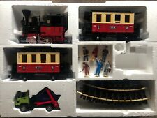 LGB - 70302 - Train, Carriages, Truck, Figures and Curved Track (x4)