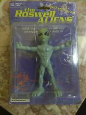 Alien Action Figure Vintage 1996 Roswell Aliens by Street Players Holding in Box