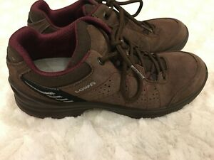 size 9 LOWA men's shoes hiking daily new brown 21-330