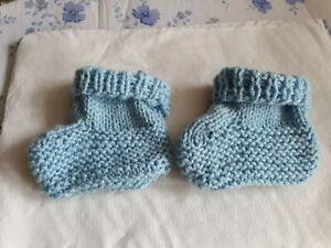 Baby  Socken Söckchen  Booties   handgestrickt   0-3 Monate   hellblau Geschenk