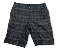 Columbia Mens Omni-wick Advanced Evaporation Plaid Black/Gray Shorts Size 34W