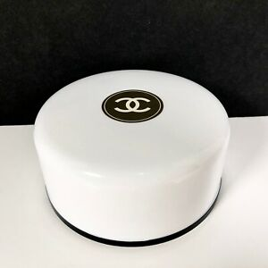 Vintage CHANEL No 5 Perfumed Bath Powder 4 oz Full SEALED 1960s Luxury