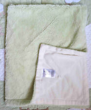 BeanSprout Green Fluffy w Cream Fleece Polyester Baby Boy or Girl Blanket Euc