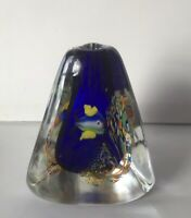 MURANO STYLE ART GLASS COBALT BLUE 3 SIDED TRIANGLE TROPICAL FISH BUD VASE