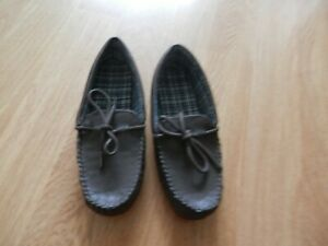 Marks And Spencer Size 7 (40 1/2) Brown Moccasin Style Slippers. New With Label.