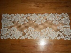 LACE TABLE RUNNER IVORY 36 X 14 LEAF HOME DECOR ACCENT LEAVES ITRL426