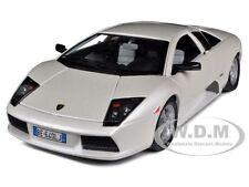 LAMBORGHINI MURCIELAGO PEARL WHITE 1/18 DIECAST MODEL CAR BY BBURAGO 12022