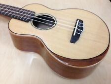 Caraya Solid Spruce Top Concert Ukulele w/Beveled Armrest.Natural+Hard Case 23S