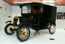Ford Model T Paddy wagon (1925) Black 1 24 Motormax Mx79316bk