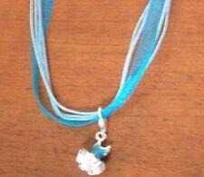 collier organza bleu avec pendentif robe bleue 18x12 mm