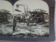 WW1 FEEDING GRANNIE SHELL HOISTED INTO POSITION! KEYSTONE STEREOVIEW CARD WWI 41