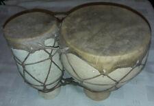 afrikanische Bongos als Doppeltrommel aus Keramik mit Leder bespannt -Handarbeit
