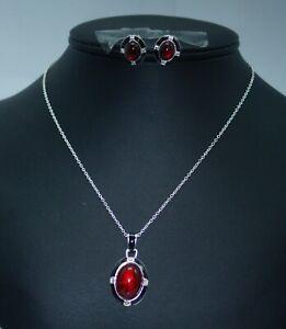 MIB Avon East End Gift Set Red Cabochon Black Enamel Pendant Necklace Earring