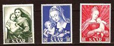 42 SARRE 3 timbres neufs 1954 La madone et l'enfant . legere traces charnieres