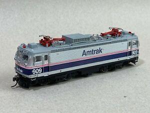 Atlas HO 8574 ELECTRIC AEM-7 Amtrak Northeast Direct #909
