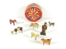 7 alte Holzfiguren - Bauernhof Figuren in Spanschachtel