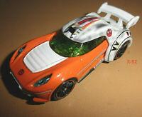 STAR WARS Hot Wheels LUKE SKYWALKER X-WING Fighter Pilot CAR 1:64 diecast toy