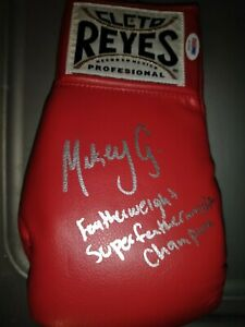 Mikey Garcia Autograph Cleto Reyes Boxing Glove with PSA
