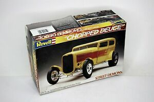 REVELL Chopped Deuce Street Demons 1:25 Scale Open Box Molded in Yellow