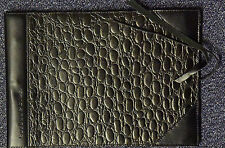 Corban & Blair Leather Medium Outback Dapper Photo album Black 20 sheets black