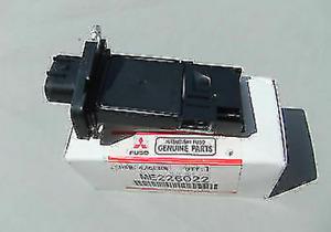 Genuine Mitsubishi Air Flow Sensor ME226022