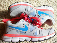 Womens Nike Trainers Ready UK Size 2.5 NEW in Box
