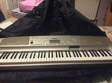 YAMAHA DGX-300 Portable Grand Portable Electronic Keyboard 76-Keys - H37