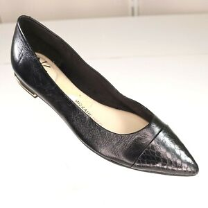 Isaac Mizrahi Live Black Flat Leather Shoes Size 6 Womens Gayle Gold Detail