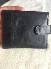 Beuno Pelle Gentlemans Black Leather Bifold Wallet.