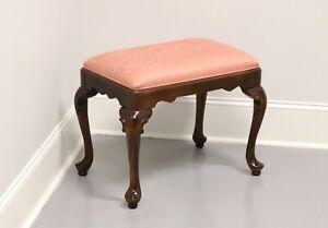 ETHAN ALLEN Queen Anne Bench / Footstool A