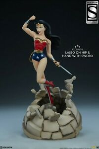 Sideshow Wonder Woman Animated Exclusive Premium Format Statue, 103/400EX Batman