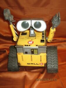 DISNEY PIXAR THINKWAY TOYS INTERACTIVE WALLE NO REMOTE  AS-IS NO RETURN FOR PART