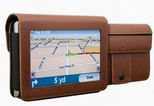 609585162105DLO DLG24199-17 17 4.3-inch Travelfolio GPS Leather Case Brown