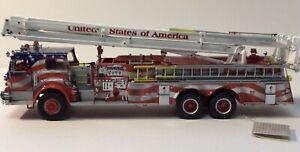 Franklin Mint 1/32 Stars And Stripes Pierce Snorkel Limited Edition Fire Engine