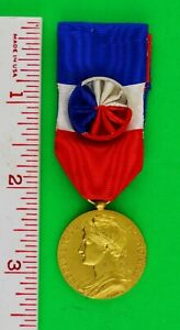 FRENCH MEDAL FOR WORK AND HONOUR  - NAMED DATED 1962