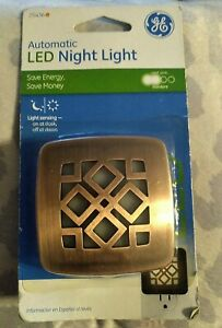 Ge  25436 Bronze Automatic Led Night Light