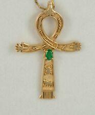 Cruz egipcia en oro 18k con esmeralda