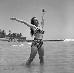 Bunny Yeager 1954 Camera Pin-up Negative Photograph Pretty Bathing Beauty Model