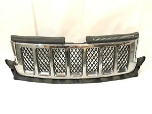 2011 2012 2013 JEEP GRAND CHEROKEE GRILLE 57010708AE OEM DAMAGED