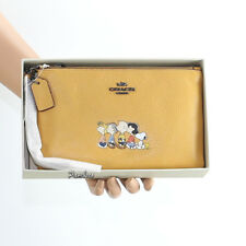 NWT Coach Peanuts Snoopy Leather Gangs All Here  Wristlet Clutch Yellow/Gold