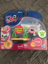 Littlest Pet Shop Fish Prized Pets Toy Figure w/ Cards #1814 - (Special Edition)