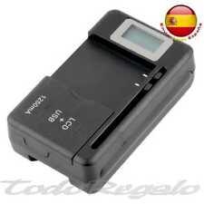 Cargador Red Universal de Bateria con Salida de Carga USB em Color Negro