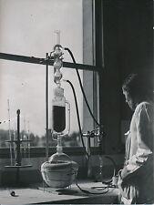PARIS c. 1950 -  Extracteur du Laboratoir de la Faculté de Pharmacie  -DIV 5178